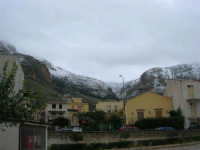 Monte Inici innevato - 14 febbraio 2009   - Castellammare del golfo (1806 clic)