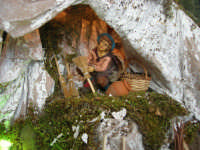 il presepe dinanzi la Chiesa di S. Maria del Gesù: particolare - 7 dicembre 2008  - Alcamo (778 clic)