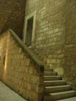 Castello dei Conti di Modica - cortile interno e scala - 23 dicembre 2008    - Alcamo (587 clic)
