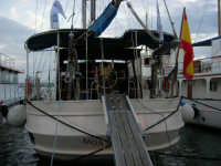 Louis Vuitton Acts 8&9 - Barche al molo - 2 ottobre 2005  - Trapani (1873 clic)