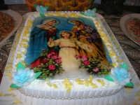 Gli altari di San Giuseppe - pietanze: torta con la raffigurazione della Sacra Famiglia - 18 marzo 2009  - Balestrate (11194 clic)
