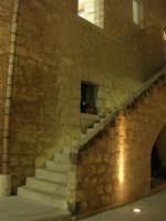 Castello dei Conti di Modica - cortile interno e scala - 23 dicembre 2008    - Alcamo (610 clic)