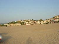 Case sulla spiaggia - 18 luglio 2005  - Alcamo marina (2186 clic)