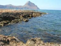 Golfo del Cofano - scogliera, mare stupendo - 30 agosto 2008  - San vito lo capo (520 clic)