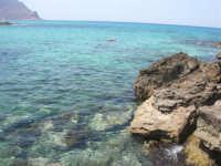 Golfo del Cofano: scogli e mare stupendo - 23 agosto 2008  - San vito lo capo (517 clic)
