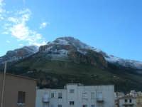 Monte Inici innevato - 14 febbraio 2009   - Castellammare del golfo (1506 clic)