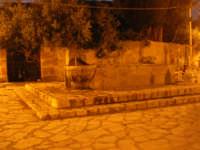 la fontana nella piazzetta - 2 novembre 2008   - Scopello (860 clic)