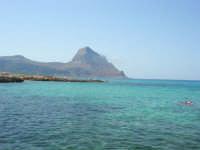 Golfo del Cofano: scogli e mare stupendo - 23 agosto 2008  - San vito lo capo (460 clic)