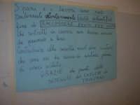 Cene di San Giuseppe - Altare di pani - esposizione di lavori artigianali effettuata dalla popolazione femminile della Casa Circondariale di Trapani - il messaggio delle detenute - 15 marzo 2009   - Salemi (2740 clic)