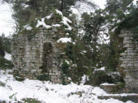 neve sul monte Bonifato - Riserva Naturale Orientata Bosco d'Alcamo - La Funtanazza, grande serbatoio pubblico di età medievale - 15 febbraio 2009   - Alcamo (6655 clic)