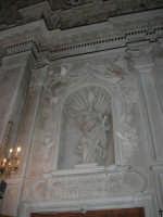 interno della Chiesa S. Sebastiano - 23 aprile 2006  - Chiusa sclafani (1048 clic)