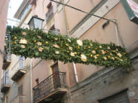 Cene di San Giuseppe - addobbo in strada - 15 marzo 2009   - Salemi (2351 clic)