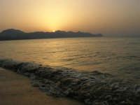 Tramonto sul Golfo di Castellammare (5)- 18 luglio 2005  - Alcamo marina (1604 clic)