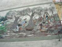 murales: la raccolta delle olive - 5 ottobre 2007   - Montelepre (3331 clic)
