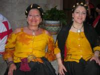 Festeggiamenti Maria SS. dei Miracoli - All'interno del Castello, aspettando che abbia inizio Il Corteo dei Conti di Modica - 20 giugno 2008  - Alcamo (656 clic)