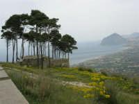 panorama della costa e monte Cofano - 25 aprile 2006   - Erice (1436 clic)