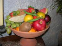 Gli altari di San Giuseppe - pietanze: frutta - 18 marzo 2009  - Balestrate (3760 clic)