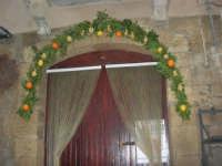 Cene di San Giuseppe - addobbo in strada - 15 marzo 2009   - Salemi (2316 clic)