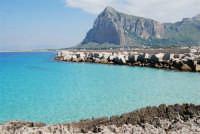 sulla via Faro - un mare stupendo e monte Monaco - 10 maggio 2009  - San vito lo capo (1776 clic)