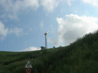 la campagna a primavera - pala eolica - 3 maggio 2009   - Fulgatore (2319 clic)