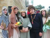 Epifania drammatizzata con quadri viventi a Salemi - interpreti durante le prove - 6 gennaio 2009   - Salemi (2913 clic)
