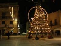 luci ed albero di Natale in piazza Ciullo - 23 dicembre 2008    - Alcamo (767 clic)
