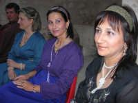 Festeggiamenti Maria SS. dei Miracoli - All'interno del Castello, aspettando che abbia inizio Il Corteo dei Conti di Modica - 20 giugno 2008  - Alcamo (680 clic)