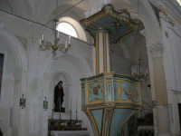 interno Chiesa S. Maria Assunta: il pulpito - 23 aprile 2006   - Chiusa sclafani (1461 clic)