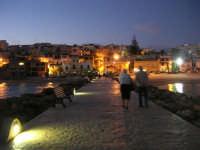 a sera - passeggiata sul molo - 5 ottobre 2008   - Marinella di selinunte (974 clic)