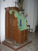 interno Chiesa S. Maria Assunta: confessionale - 23 aprile 2006   - Chiusa sclafani (1060 clic)
