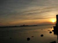 Il porto al tramonto - 26 marzo 2006  - Trapani (1536 clic)