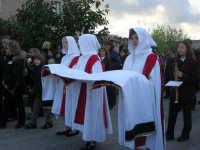 Processione della Via Crucis con gruppi statuari viventi - 5 aprile 2009   - Buseto palizzolo (2042 clic)