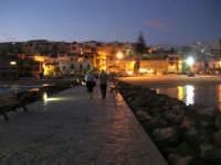 a sera - passeggiata sul molo - 5 ottobre 2008   - Marinella di selinunte (1367 clic)