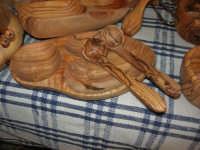 artigianato: manufatti in legno di olivo - Baglio Ardigna - 17 maggio 2009  - Salemi (5863 clic)