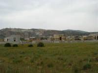 case in costruzione in vendita - in fondo cave di marmo - 25 aprile 2006   - Cornino (3766 clic)
