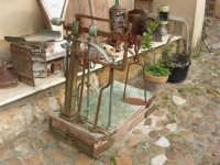 C/da Bosco Falconeria - Baglio Carta - in mostra oggetti che testimoniano le usanze del passato - 7 dicembre 2008  - Balestrate (1400 clic)