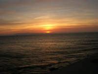 Egadi al tramonto - 26 marzo 2006  - Trapani (1342 clic)