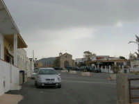 Chiesa e piazzetta - 25 aprile 2006   - Cornino (4467 clic)