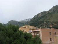 una spolverata di neve sui monti - 13 febbraio 2009   - Castellammare del golfo (1800 clic)