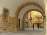 visita al centro storico - Galleria Pignatelli Aragona Cortes - 6 gennaio 2009   - Castelvetrano (2739 clic)