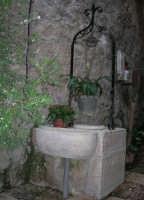 pozzo - Santuario della Madonna dei Miracoli - 6 settembre 2008   - Alcamo (980 clic)