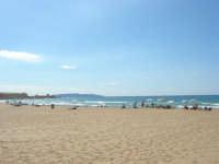 la spiaggia di San Giuliano. All'orizzonte le isole Egadi - 6 settembre 2007  - Trapani (2881 clic)