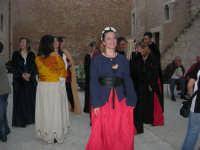 Festeggiamenti Maria SS. dei Miracoli - All'interno del Castello, aspettando che abbia inizio Il Corteo dei Conti di Modica - 20 giugno 2008  - Alcamo (840 clic)