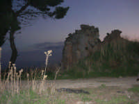 ruderi del paese distrutto dal terremoto del gennaio 1968 - 2 ottobre 2007  - Poggioreale (3114 clic)