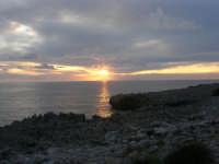 Macari - tramonto all'Isulidda - 19 aprile 2009  - San vito lo capo (1601 clic)