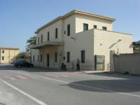 C/da Magazzinazzi - la Stazione di Castellammare del Golfo - 2 novembre 2008  - Alcamo marina (2198 clic)