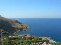panorama e villaggio turistico tra San Vito lo Capo e la Riserva dello Zingaro - 30 agosto 2008   - Calampiso (2993 clic)