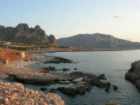 Macari - L'Isulidda e Golfo del Cofano - 21 settembre 2008   - San vito lo capo (536 clic)