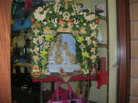 Cene di San Giuseppe - piccolo altare in vetrina - 15 marzo 2009   - Salemi (2366 clic)