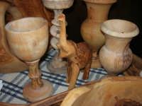 artigianato: manufatti in legno di olivo - Baglio Ardigna - 17 maggio 2009  - Salemi (6453 clic)